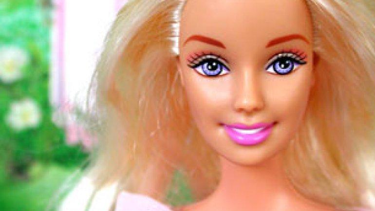 Porno barbie angers fabricante de juguetes