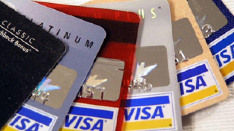 Las tarjetas de débito y crédito vuelven a utilizarse como medio de compra de divisas fuera del país