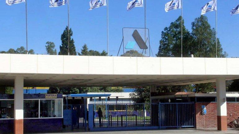 Alpargatas para 10 días su planta en Tucumán