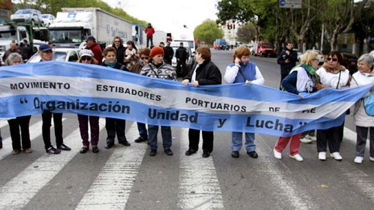Portuarios pararán en repudio a medidas de Guillermo Moreno