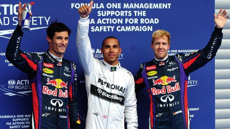 Después del descanso veraniego, el inglés de Mercedes obtuvo la primera colocaciónnavegando en el húmedo asfalto del circuito belga