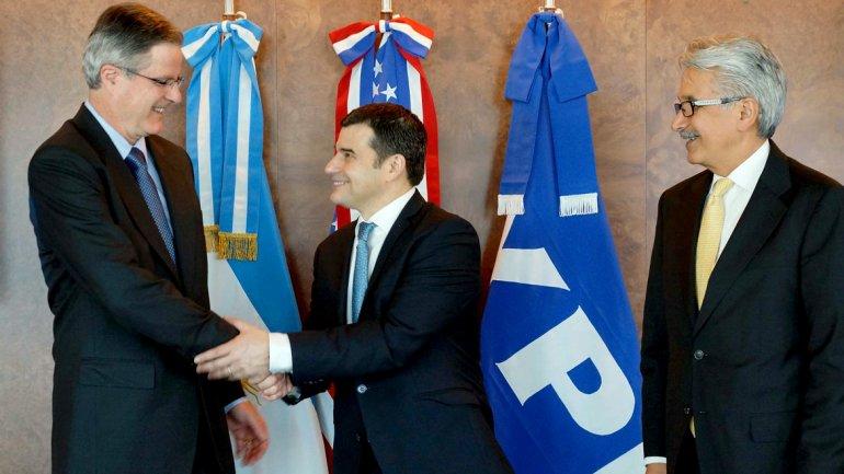 Miguel Galuccio, durante la firma del acuerdo entre YPF y Chevron