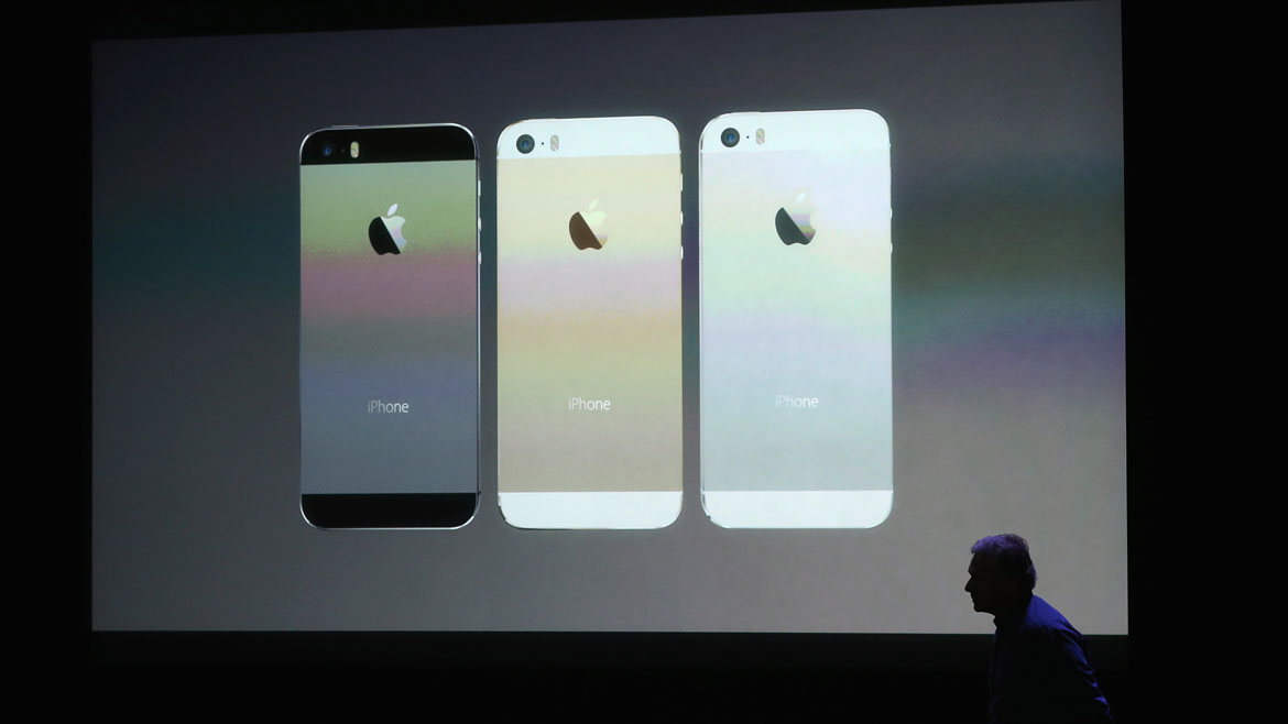 El iPhone 5S está disponible en plateado, carbón y dorado