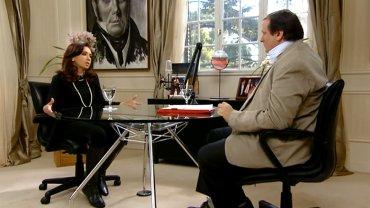 El periodista Hernán Brienza durante una entrevista con Cristina Kirchner