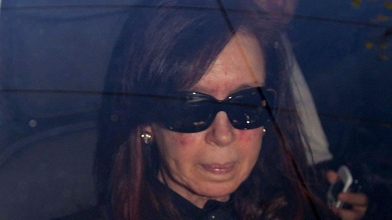 Cristina Kirchner al ingresar esta mañana a la Fundación Favaloro