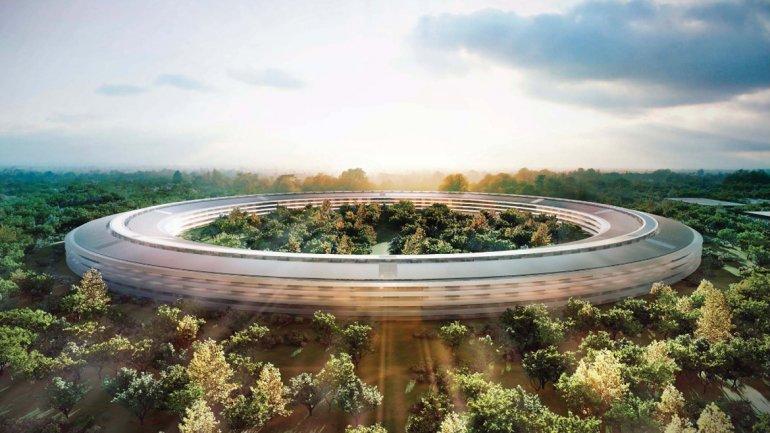 La vista del edificio central en forma de anillo o nave espacial, según describiera Steve Jobs