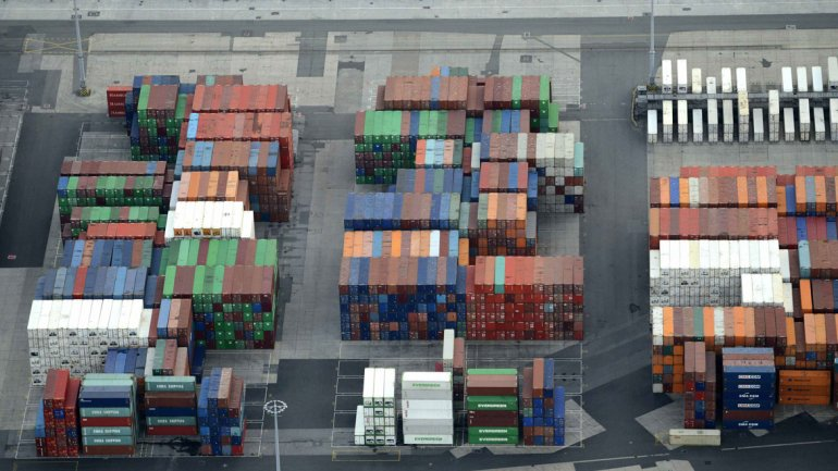 Las exportaciones registraron la peor caída en 5 años y el superávit comercial bajó un 39%