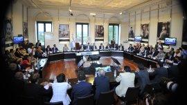 Reunión del Gobierno a fines de diciembre de 2013 con gobernadores donde se suscribió un acuerdo de refinanciación de deudas con 18 provincias.
