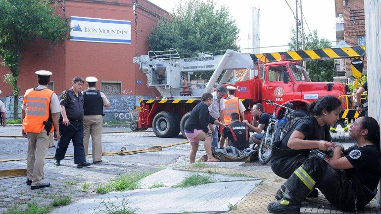 Imagen de la esquina donde, minutos después, cayó la pared.