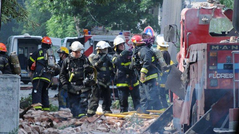 Los fallecidos son 6 policías, 2 efectivos de Defensa Civil y un bombero de La Boca.