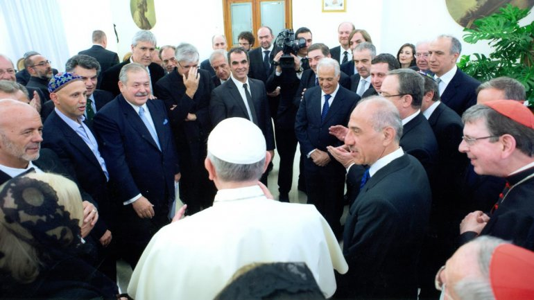 Francisco recibe a la comitiva argentina interreligiosa en El Vaticano. Febrero de 2014