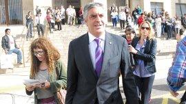 El abogado Gregorio Dalbón -representante de un grupo defamiliares de víctimas del siniestro ferroviario- admitió hoy que recibió presionespara retirarse como querellante en la causa