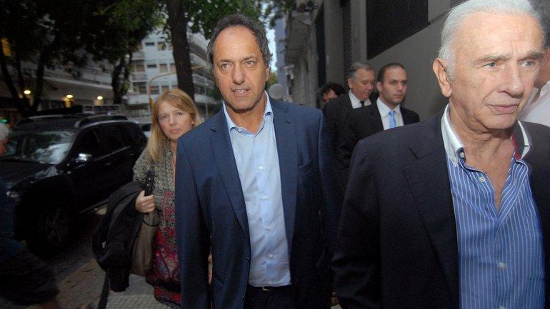El gobernador bonaerense, Daniel Scioli, presidió el encuentro