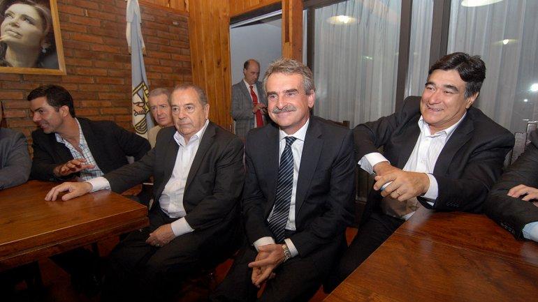 El ministro de Defensa, Agustín Rossi, y el secretario Legal y Técnico de la Presidencia, Carlos Zannini