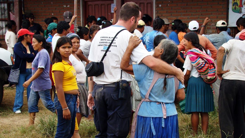 Coordinación de campamento de desplazados en el departamento de Trinidad, tras las inundaciones que dejaron 55 muertos y 11 desaparecidos en febrero de 2014, en Bolivia
