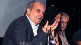 El titular de los medios públicos adelantó que revisará los contratos de Radio Nacional