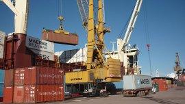 El fin del cepo apunta a impulsar el crecimiento del comercio exterior y las ganancias de las empresas para reactivar la inversión y el empleo