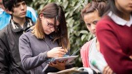 Los jóvenes son quienes enfrentan las mayores trabas para acceder al primer empleo