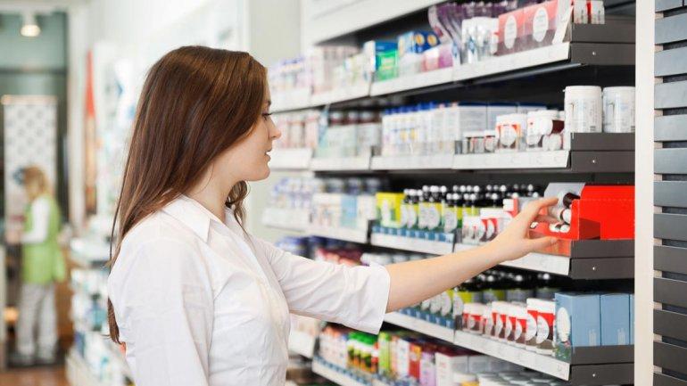 El Gobierno logró que los laboratorios revisaran hacia abajo la lista de medicamentos