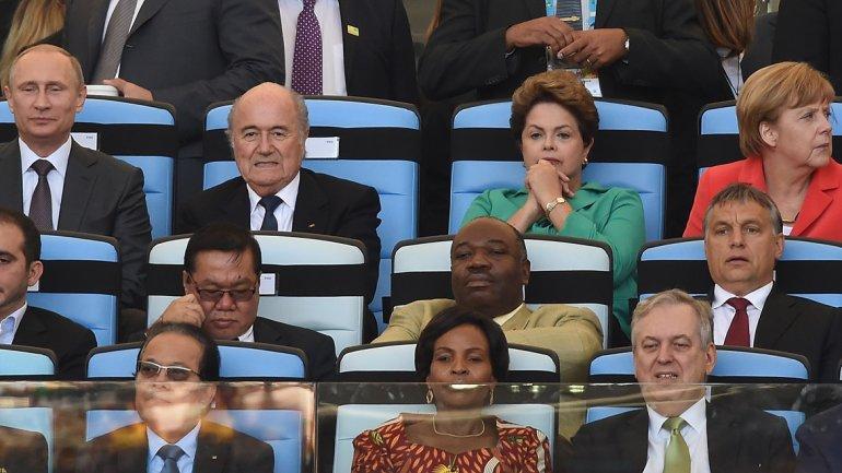 El presidente ruso, Vladimir Putin, presidente de la FIFA Joseph Blatter, presidente de Brasil, Dilma Rousseff, la canciller alemana, Angela Merkel