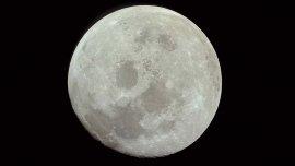Vista de la luna desde el Apollo 11 en su viaje de vuelta a la Tierra