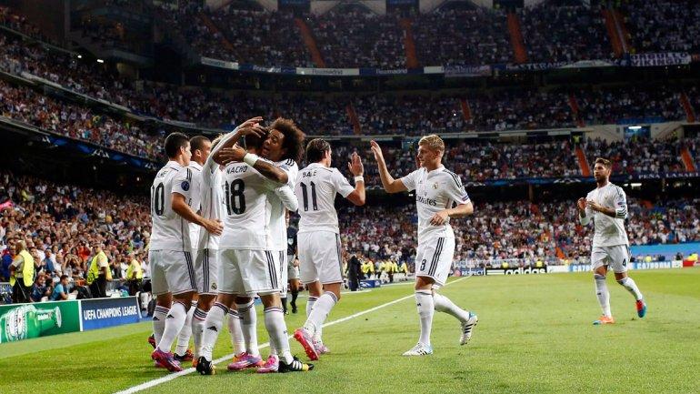 El Real Madrid aplastó al Deportivo La Coruña