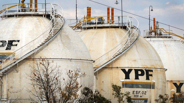 La baja del precio del petróleo encontró un contrapeso en las perspectivas de la política tarifaria