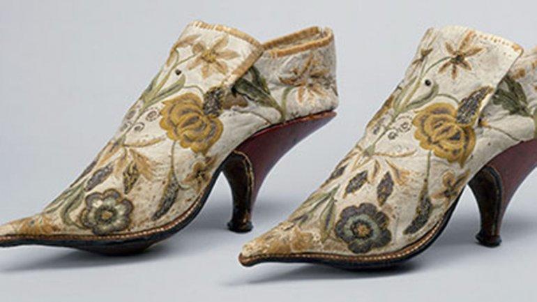 Zapatos franceses de seda y cuero, 1690-1700