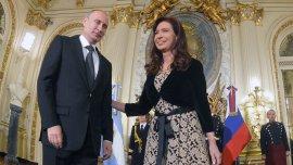 Cristina Kirchner con Vladimir Putin, juntos el año pasado en la Casa Rosada.