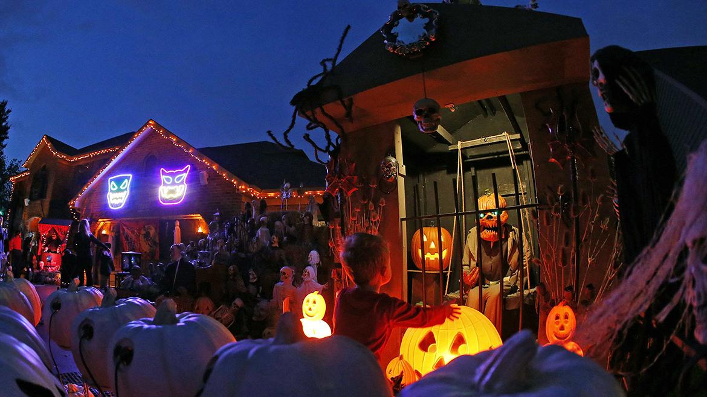 Halloween por el mundo taringa for Casas decoradas x fuera