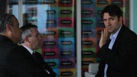 El secretario de Comunicaciones, Sergio Berner (derecha)