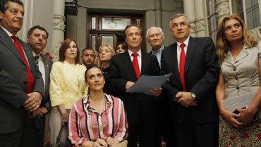 En esta foto, los firmantes del compromiso opositor para no designar un reemplazante de Zaffaroni
