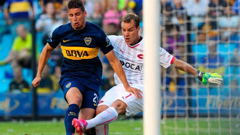 Con un insólito error del arquero, Boca le ganó a Independiente y lo dejó lejos de la pelea