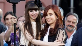 Cristina Kirchner junto a su hija, Florencia, que fue madre en agosto