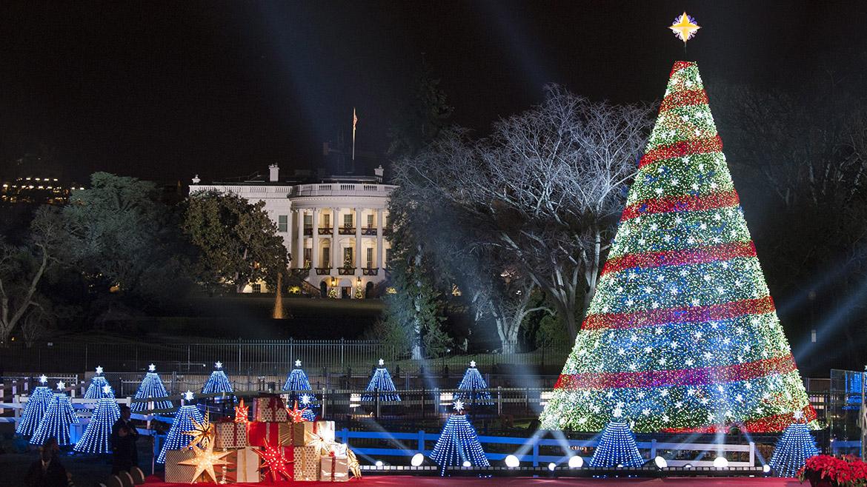 Ceremonia de iluminación del árbol navideño de la Casa Blanca en Washington DC