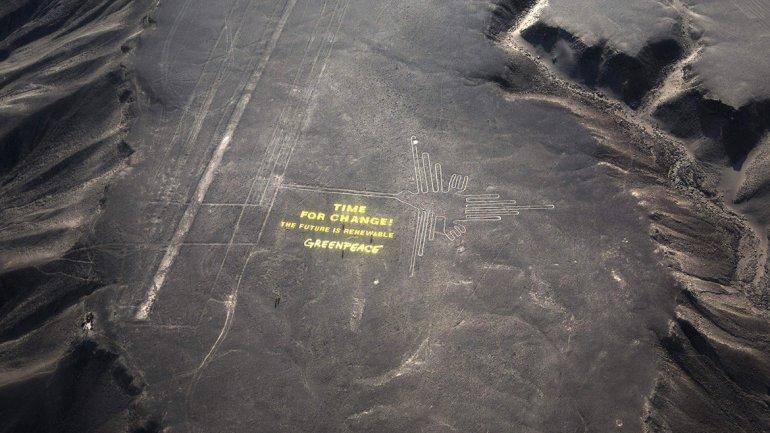 Perú indignado por la acción de Greenpeace en líneas de Nazc