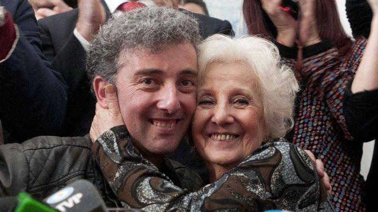 El 8 de agosto Estela de Carlotto se reunió con su nieto Ignacio después de 37 años