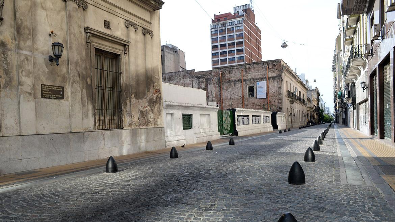 El barrio de Monserrat, usualmente colmado de oficinistas y transeúntes, absolutamente vacío