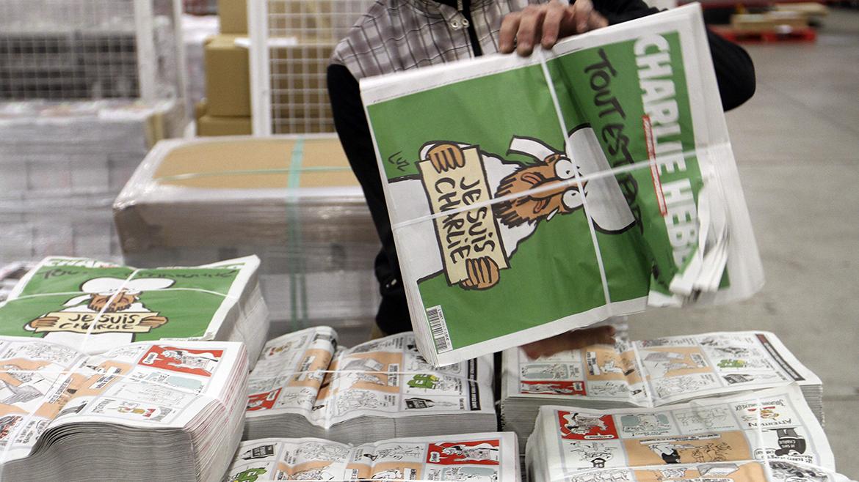 La publicación, que vendía 30.000 ejemplares en cada edición, de los  cuales apenas un puñado en el exterior, hizo imprimir tres millones de  este número de los sobrevivientes, que es difundido en más de 20  países -un récord para la prensa francesa