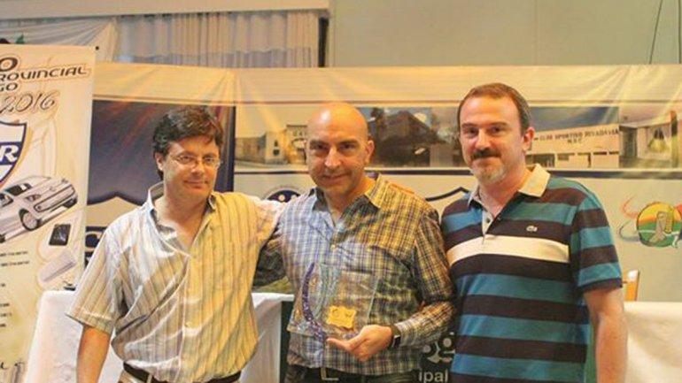 Bulat, en la conferencia que brindó en el club Sportivo Rivadavia, en San Genaro.