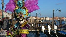 Las máscaras han regresado a Venecia para que miles de visitantes del mundo entero disfruten de su famoso carnaval