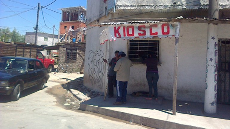 En la calle Camilo Torres, en la manzan 6, se vende paco a toda hora del día. La foto fue tomada en noviembre del año pasado.