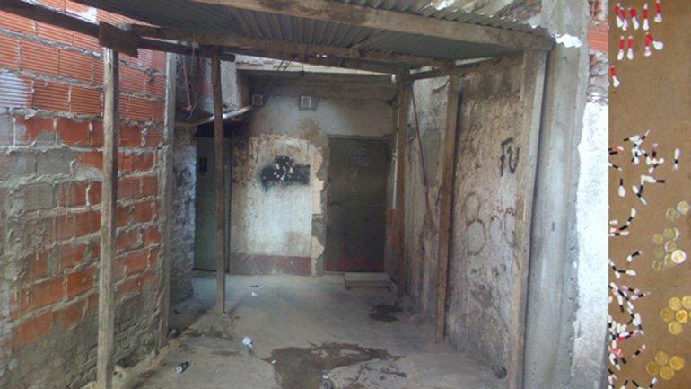 En la casa 98 de la manzana 22 funciona un laboratorio de cocaína.