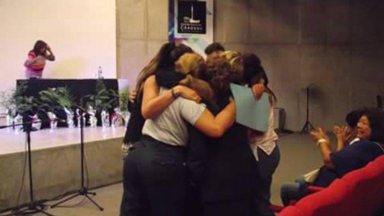 En las jornadas de Mujeres por la Paz en el Mundo las veteranas se abrazaron y emocionaron cuando fue anunciado el proyecto de ley de la senadora Hilda Aguirre de Soria para reconocerlas y concederles una pensión.