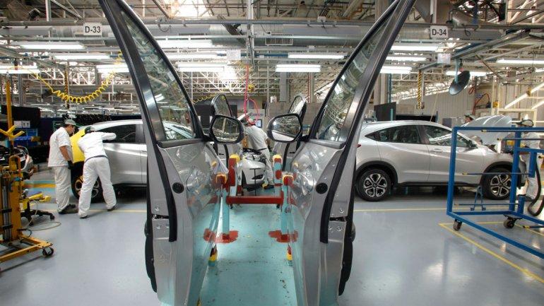 La industria automotriz es la más recesiva del sector manufacturero