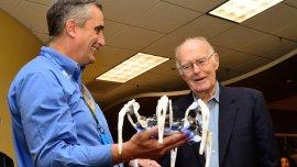 Brian Krzanich, CEO de Intel, y Gordon Moore