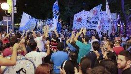 Miles de voluntarios recorren el país buscando convencer a los votantes