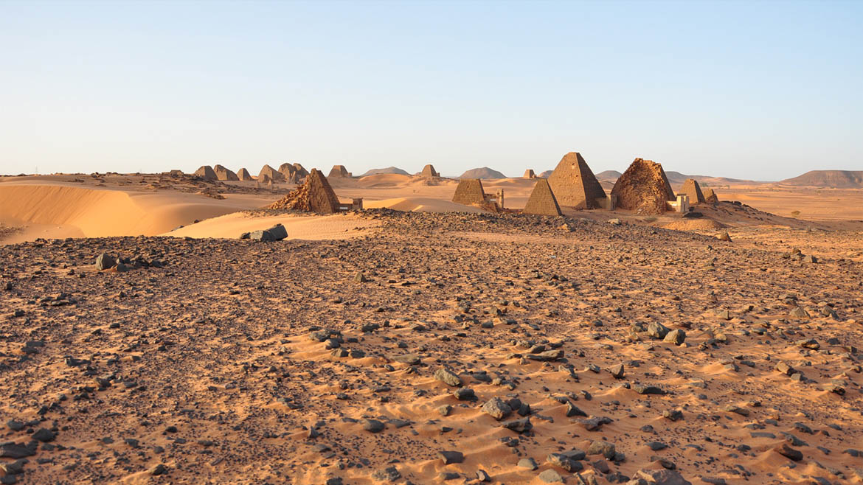 A diferencia de las egipcias, estas pirámides no están custodiadas a pesar de haber sido nombradas Patrimonio de la Humanidad por la UNESCO en el 2011