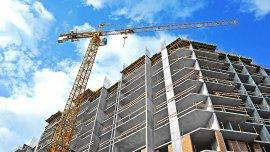 El mal clilma afectó el ritmo de ejecución de obras privadas, y los sobreprecios paralizaron las del sector público
