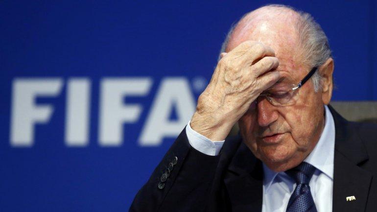 Sepp Blatter, contra las cuerdas. Dejará de ser la principal autoridad del fútbol mundial